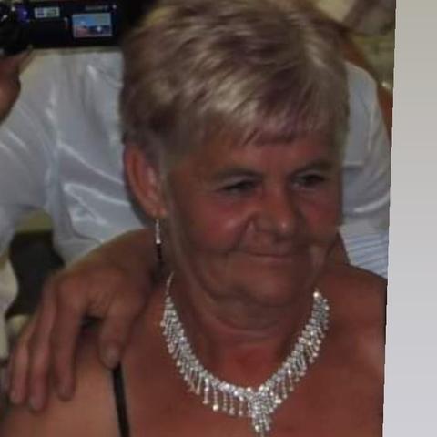 Julianna, 65 éves társkereső nő - Hódmezővásárhely