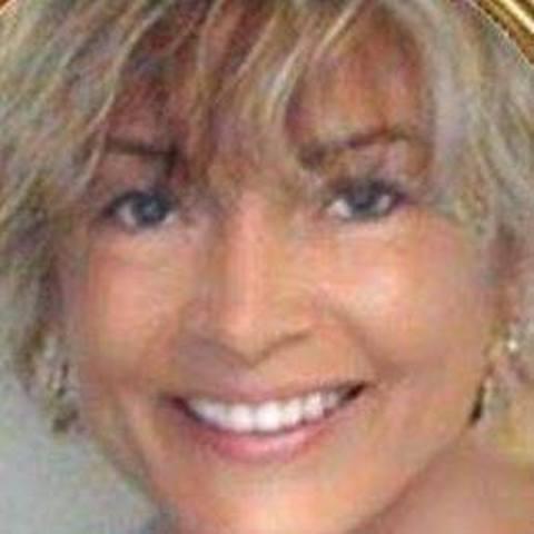 Katalin, 60 éves társkereső nő - Füle