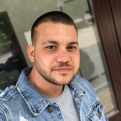 Erik, 23 éves társkereső férfi - Pápa