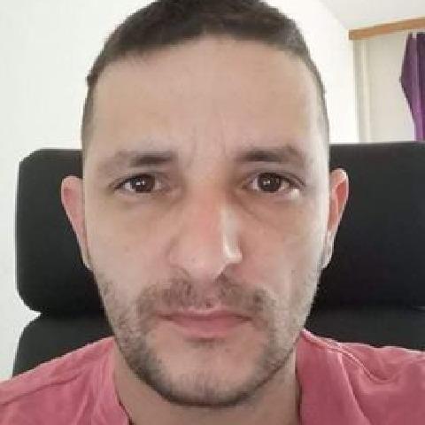 Viktor, 32 éves társkereső férfi - Székesfehérvár