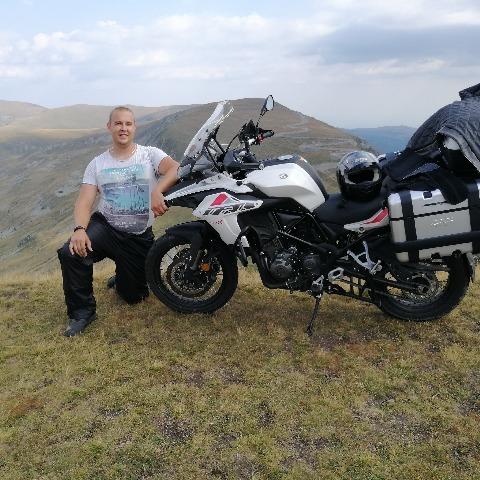 Tomas , 27 éves társkereső férfi - Losonc