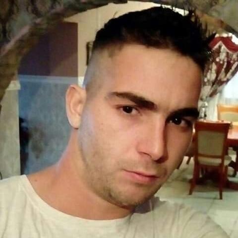 László, 25 éves társkereső férfi - Örkény