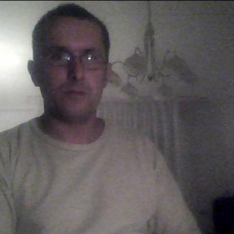 József, 46 éves társkereső férfi - Almásfüzitő