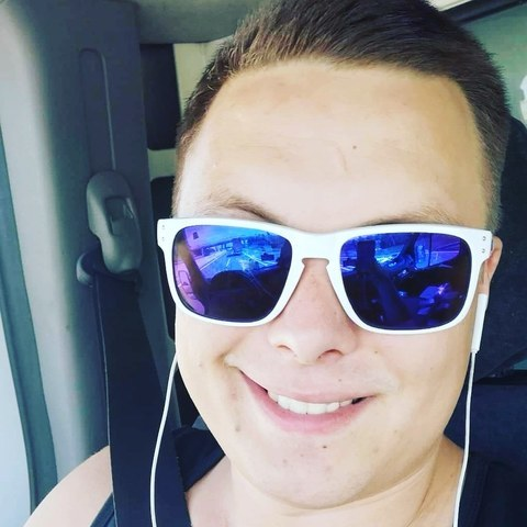 Krisztián , 25 éves társkereső férfi - Vecsés