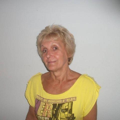 Kati, 65 éves társkereső nő - Eger