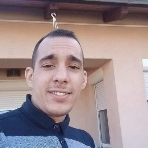Robi, 26 éves társkereső férfi - Alsónémedi