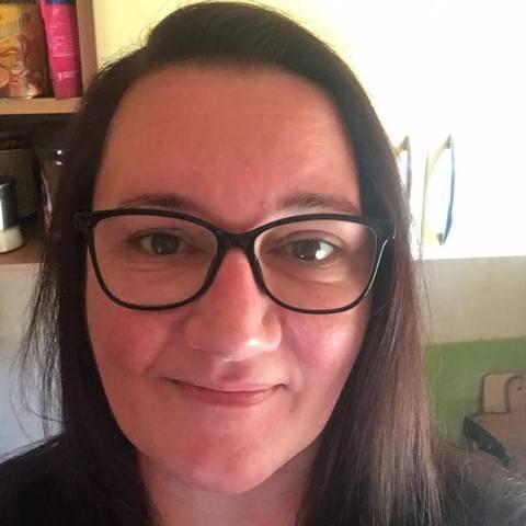 Szilvia, 47 éves társkereső nő - Budakeszi
