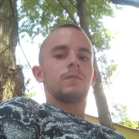 Miklós, 24 éves társkereső férfi - Mezőcsát