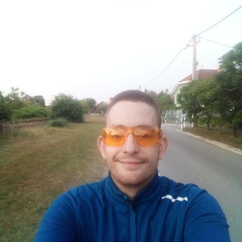 Szilveszter, 26 éves társkereső férfi - Budapest