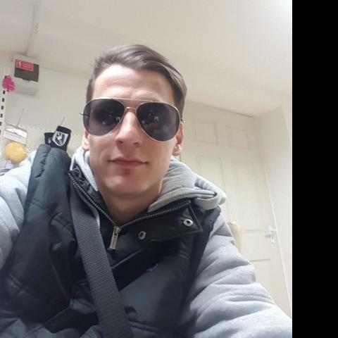 Tomika, 27 éves társkereső férfi - Nagyoroszi