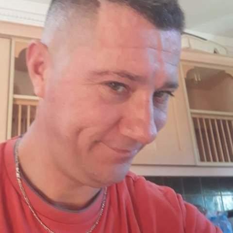 Istvan, 41 éves társkereső férfi -