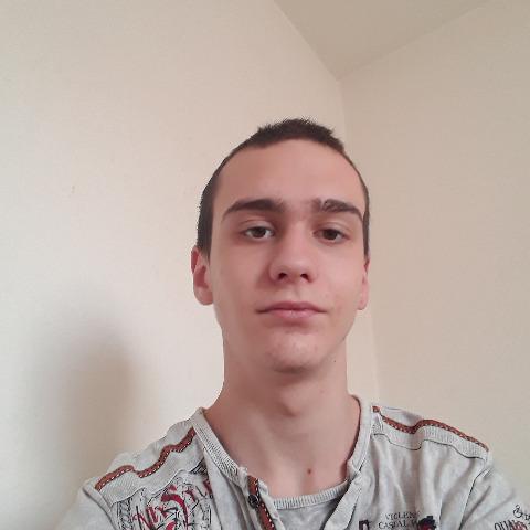Olivér, 19 éves társkereső férfi - Gyál