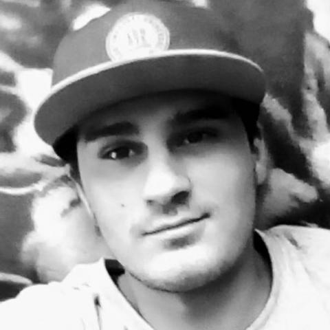 Rajmund, 25 éves társkereső férfi - Alsódobsza