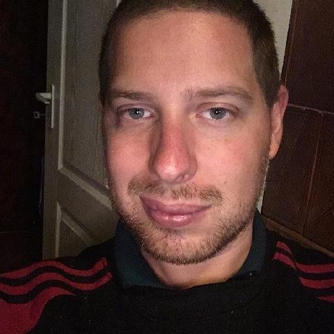 Dávid, 30 éves társkereső férfi - Ecser