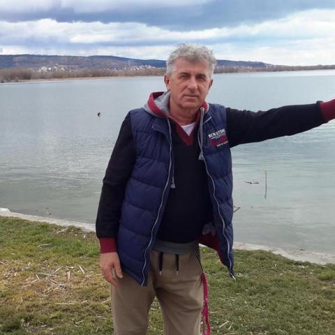 Gábor, 65 éves társkereső férfi - Győr