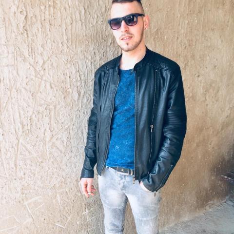 Krisztián, 24 éves társkereső férfi - Sárospatak