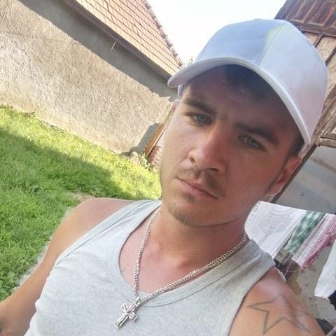 Ádám, 26 éves társkereső férfi - Sajószentpéter