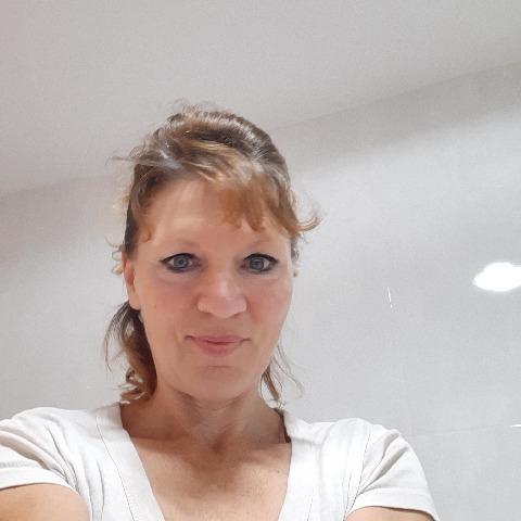 Zsuzsi, 49 éves társkereső nő -