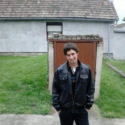 Robi, 26 éves társkereső férfi - Tamási