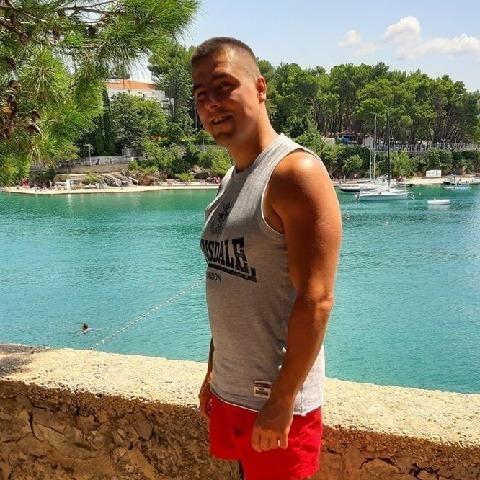 Laci, 37 éves társkereső férfi - Szécsény