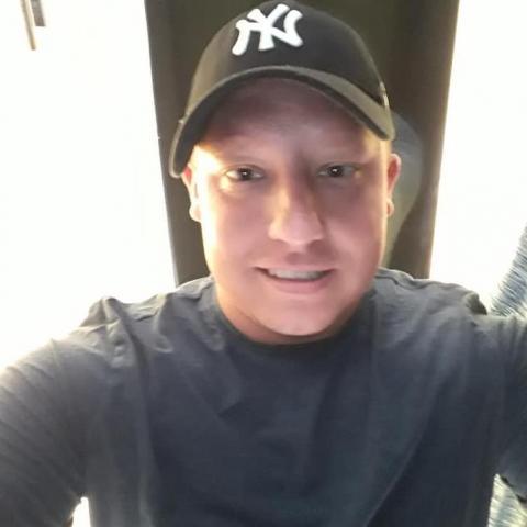 Zsolti, 29 éves társkereső férfi - moosheim