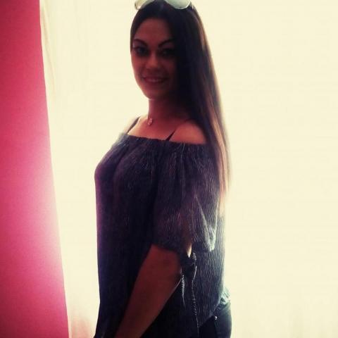 Bernadett, 22 éves társkereső nő - Kevermes