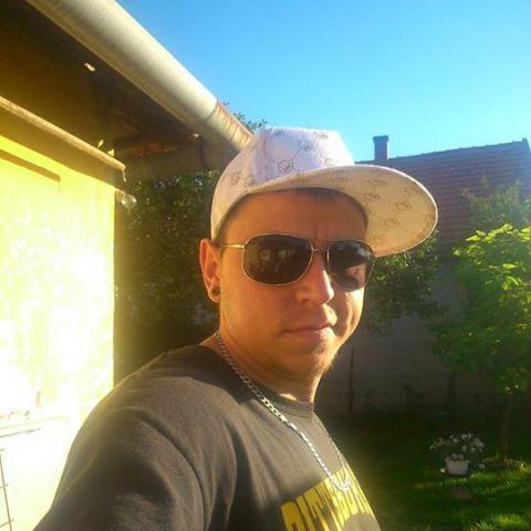 Attila, 33 éves társkereső férfi - Sarkad
