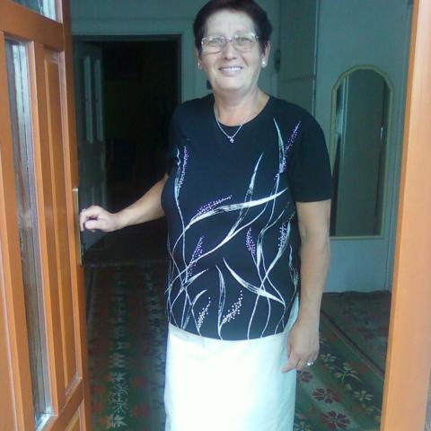 Éva, 65 éves társkereső nő - Tura