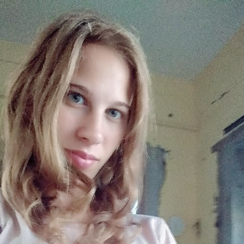 Vivien, 18 éves társkereső nő - Domoszló