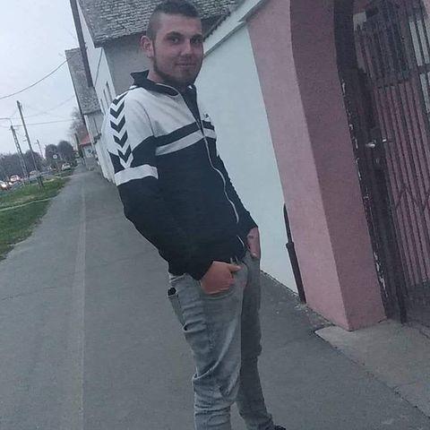 Ricsi, 22 éves társkereső férfi - Bácsbokod