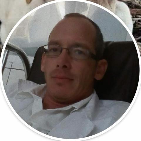 Krisztián , 37 éves társkereső férfi - Tiszaújváros