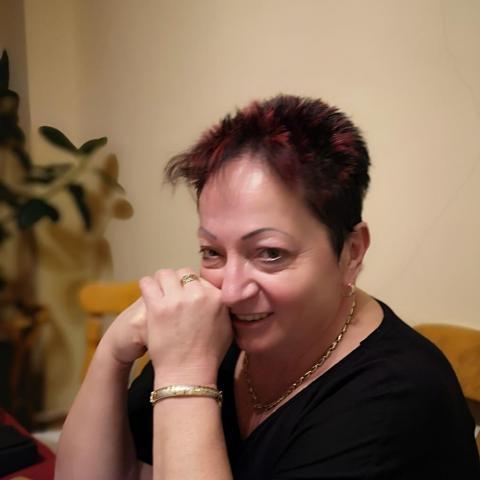 Rozál, 63 éves társkereső nő - Leányvár