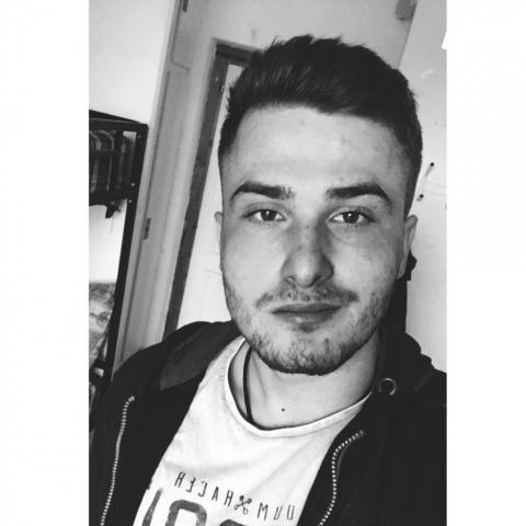 József, 21 éves társkereső férfi - Battonya