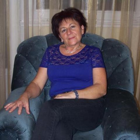 Julika, 64 éves társkereső nő - Vámospércs