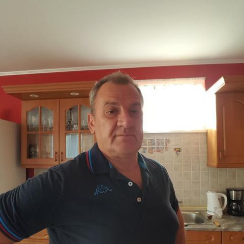 Istvan, 57 éves társkereső férfi - Dorog