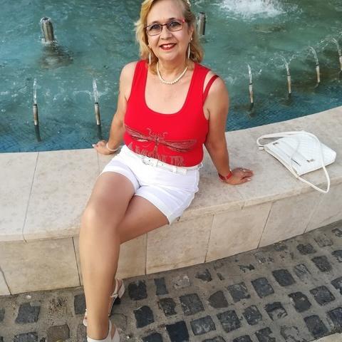 Viktória, 56 éves társkereső nő - Szeged