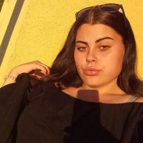 Nóri, 18 éves társkereső nő - Miskolc