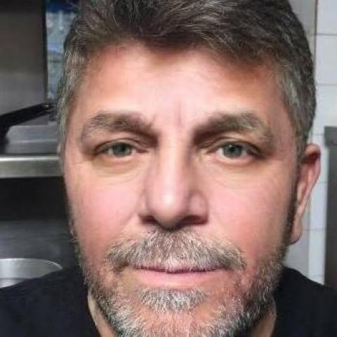 Dezso, 63 éves társkereső férfi - Budapest