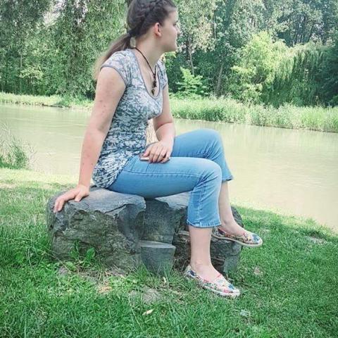 Bernadett, 21 éves társkereső nő - Hegyeshalom
