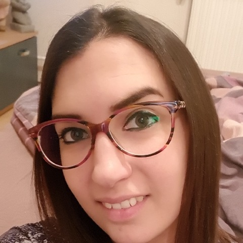Szandra, 28 éves társkereső nő - Eger