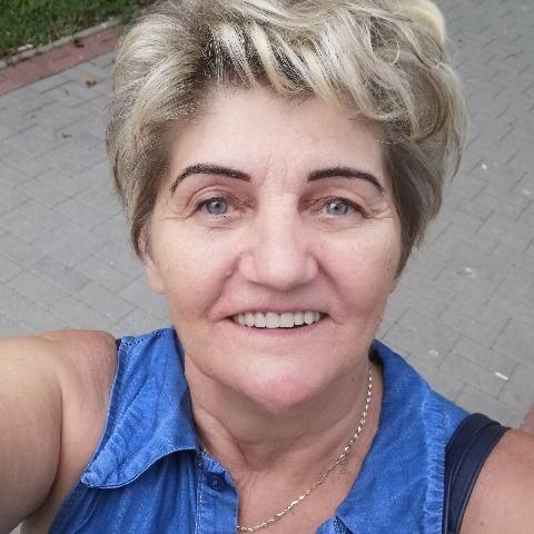 Piroska, 66 éves társkereső nő - Budapest