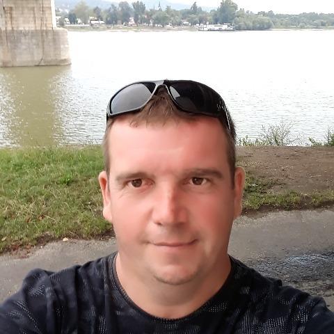 Pista, 43 éves társkereső férfi -