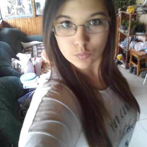 Diána, 21 éves társkereső nő - Nemesrádó