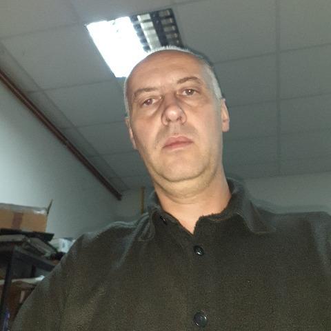 Tibor, 46 éves társkereső férfi -