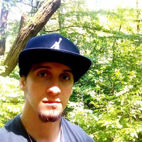Gábor, 26 éves társkereső férfi - Zalaegerszeg