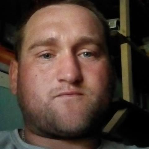 András, 32 éves társkereső férfi - Enying