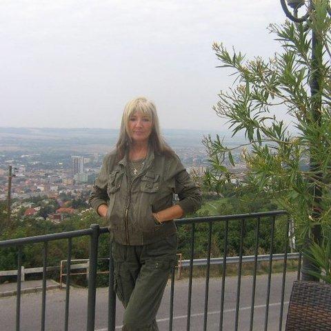 lívia, 65 éves társkereső nő - Dunakeszi