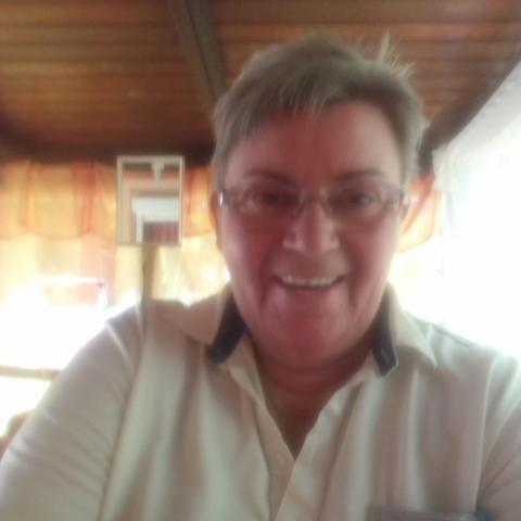 Irén, 70 éves társkereső nő - Gyula