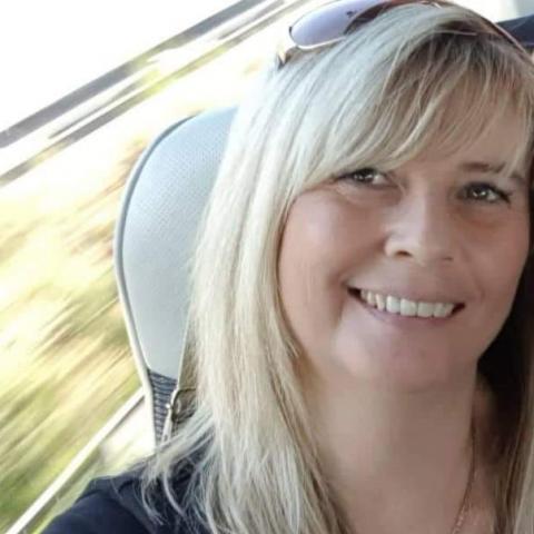 Szilvia, 48 éves társkereső nő - Budapest