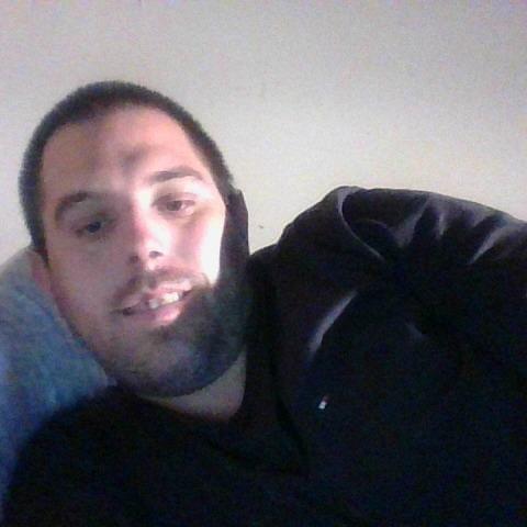 krisztian, 29 éves társkereső férfi -